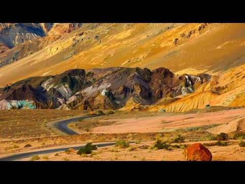 Death Valley: One of USA's most popular Road trip Destinations.